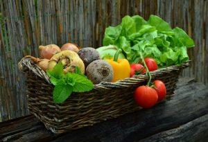 3 שיטות מעולות לשמירה על טריות הירקות במקרר