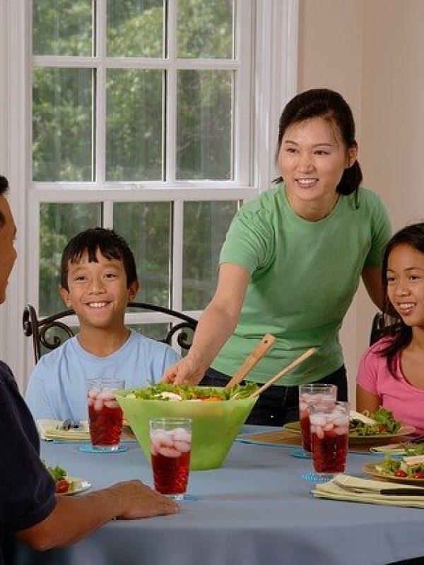 איך תקשורת טובה בין בני הזוג משפיעה על הילדים